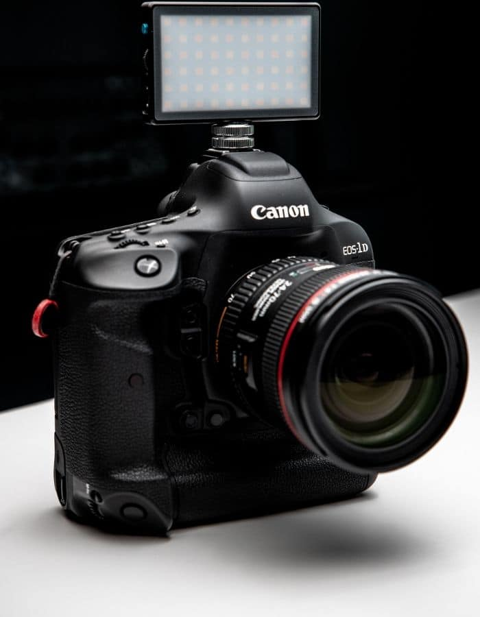 Canon EOS R with flash