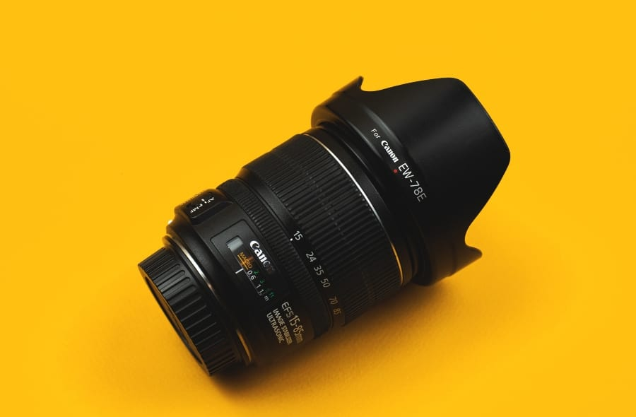 canon wide angle lens with lens hood